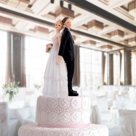 Figúrky ženícha a nevesty na svadobnú tortu
