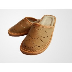 Chlapčenské kožené papuče svetlo hnedé
